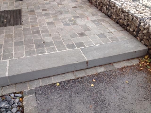 Marche bloc kandla grey eberhart - Bloc marche escalier exterieur ...
